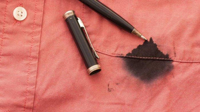 Cara menghilangkan noda tinta pada baju.