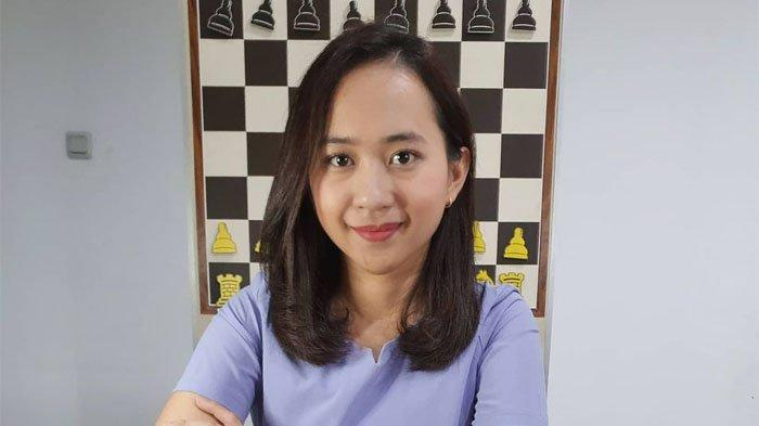 Pesona Chelsie Monica, 5 Fakta Master Catur Wanita Internasional Asal Balikpapan