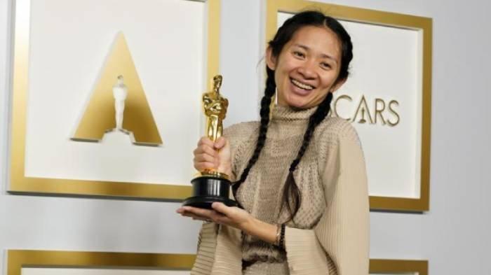 Profil Chloe Zhao, Perjalanan Karier Pemenang Sutradara Terbaik di Oscar 2021 Lewat Film Nomadland
