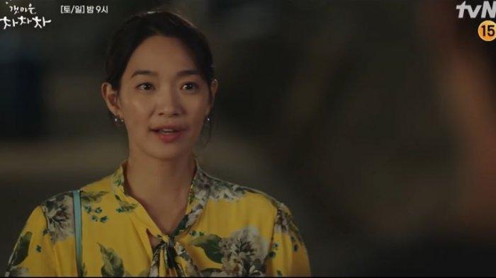 Cuplikan drama Korea Hometown Cha-Cha-Cha episode 10