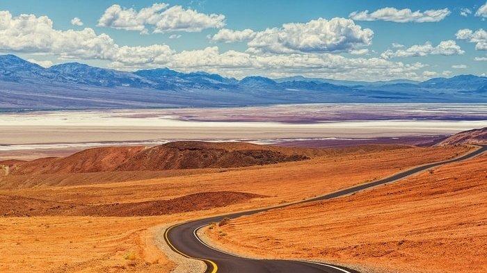 Fakta Death Valley, Tempat Terpanas di Bumi, Suhu Capai 57 Derajat Celcius hingga 'Batu Bergerak'