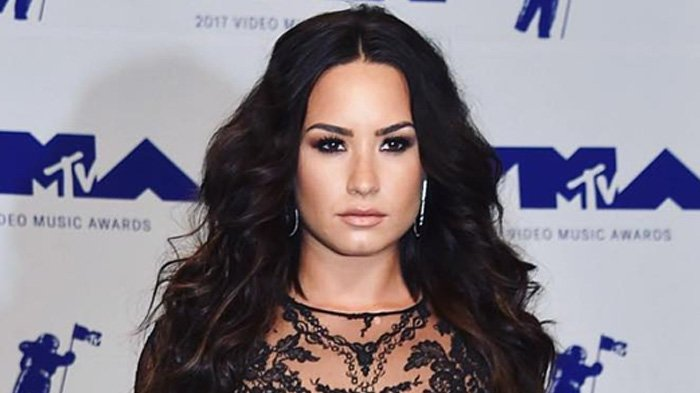 Dilarikan ke Rumah Sakit Karena Overdosis, Sederet Selebritis Dunia Beri Dukungan untuk Demi Lovato