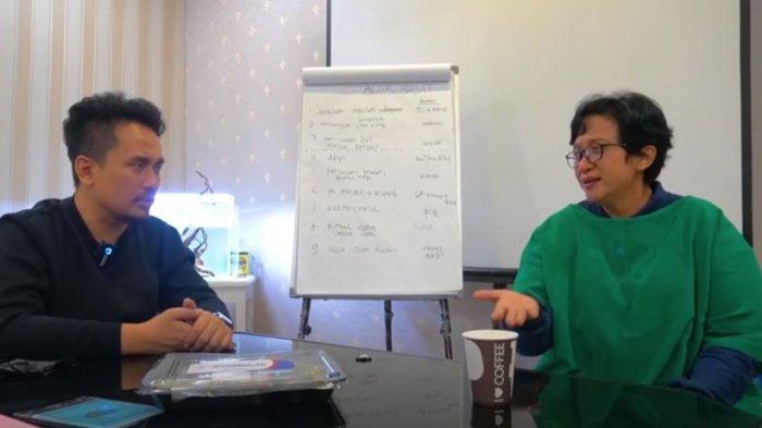 Denny Darko bersama dr Hastry dokter forensik RS Polri Kramat Jati