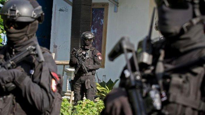 Aksi Senyap Densus 88 Mencokok Terduga Teroris di Grobogan Berubah Heboh Oleh Teriakan Panas! Panas!