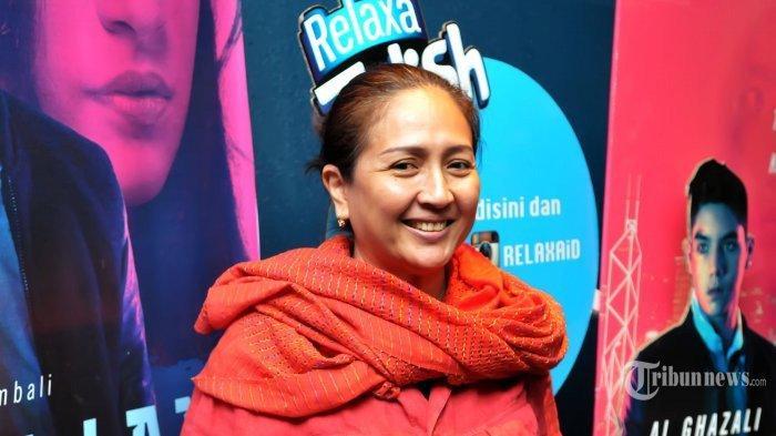Dewi Irawan sampaikan kabar duka, sang suami Lukman Karim Marini meninggal dunia.