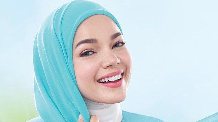 Inilah Tips Ampuh Dewi Sandra Untuk Dapatkan Kulit Wajah Tetap Lembab Walau Sedang Berpuasa
