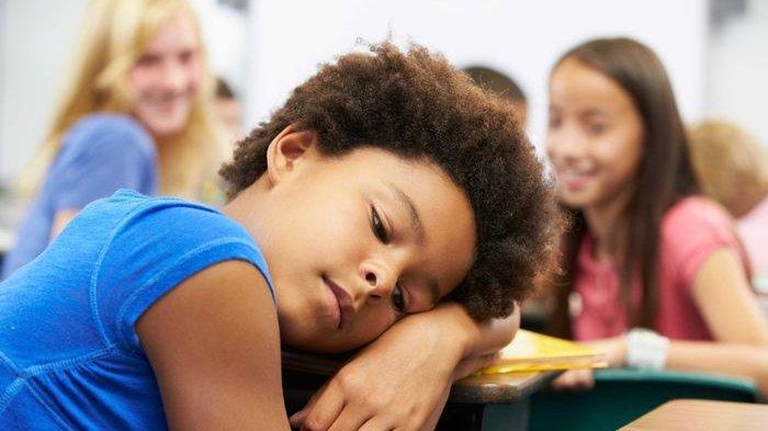 Cara Mengetahui Tanda Anak Sering Menerima Perundungan atau Di-Bully, Kerap Mengurung Diri
