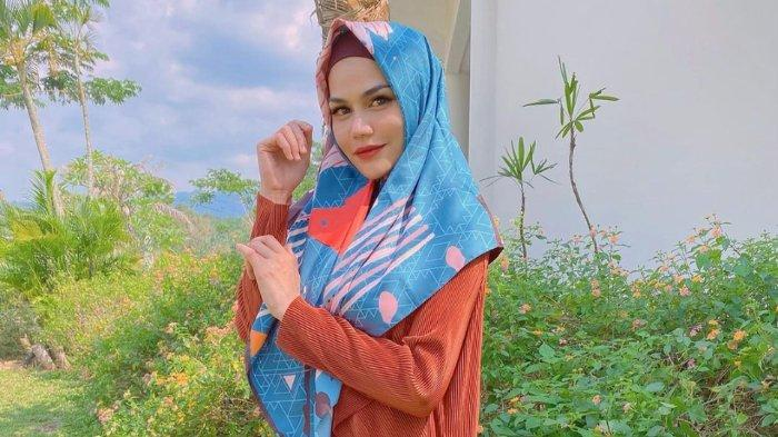 Pilih Jadi Mualaf, DJ Katty Butterfly & 3 Artis Ini Jalani Puasa Pertama Kali pada Ramadhan 2021