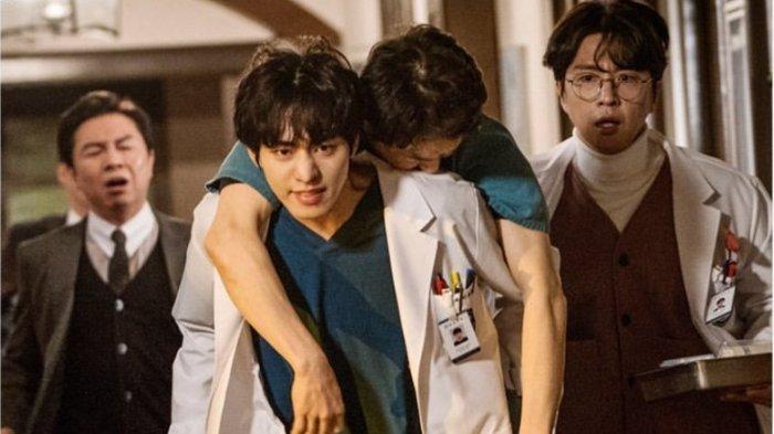 Cuplikan drama Korea Dr Romantic 2