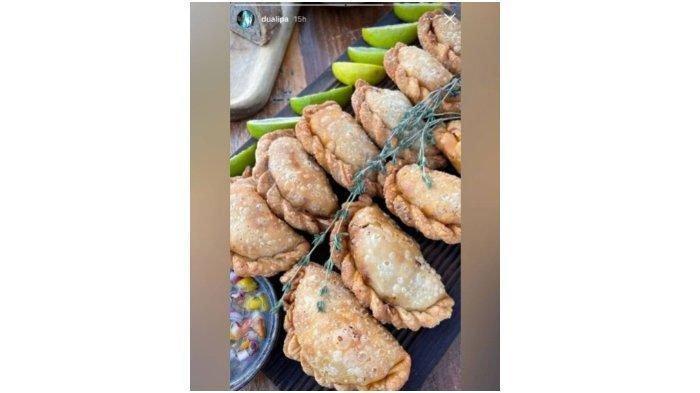 Dua Lipa unggah foto makanan mirip jalangkote atau pastel