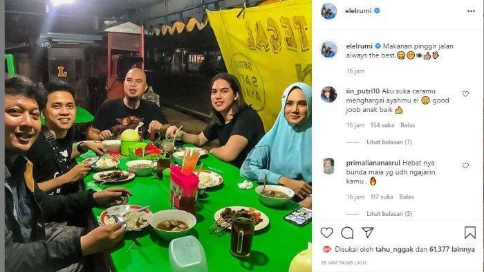 El Rumi pamer momen makan di pinggir jalan bareng Ahmad Dhani dan Mulan Jameela.