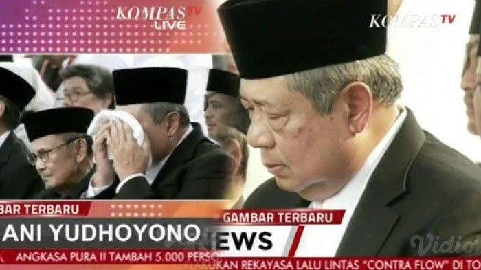 Eskpresi Kesedihan SBY di Prosesi Pemakaman Ani Yudhoyono