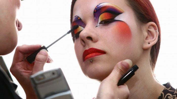 Ingin Belajar Face Painting? Simak Cara Biar Make Up Tahan Lama di Kulit Berminyak, Perhatikan Ini