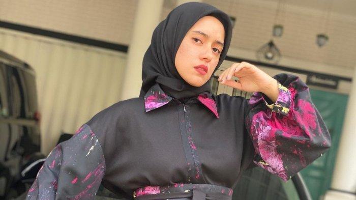Fairuz A Rafiq umumkan kehamilan anak ketiga.