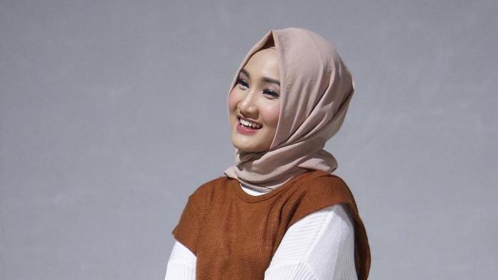 MOHON Doa, Arafah Ungkap Fatin Shidqia Pakai Alat Bantu Pernapasan Karena Covid-19, Wajah Pucat