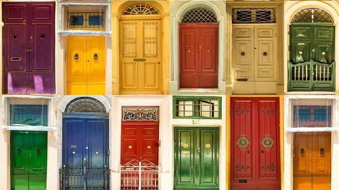 Pilihan Warna Pintu Rumah Utama Pembawa Energi Positif & Hoki Menurut Feng Shui