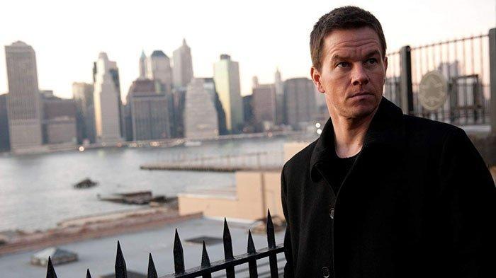 Film Broken City dibintangi Mark Wahlberg.