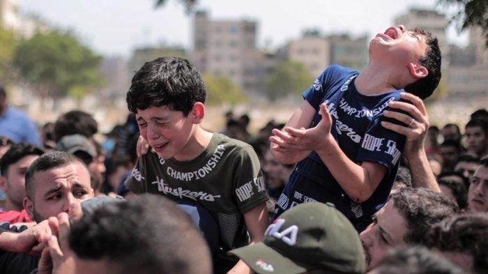 Foto pemakaman Saber Suleiman, warga Gaza yang meninggal karena serangan Israel.