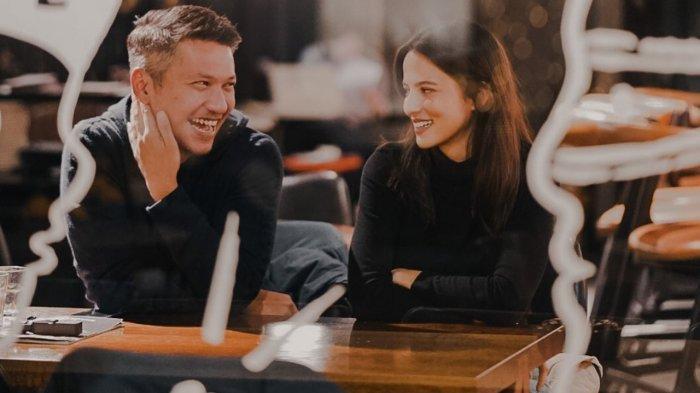 Gading Marten & Juria Hartmans Dikabarkan Segera Lamaran di Bulan Maret, Roy Marten Beri Restu