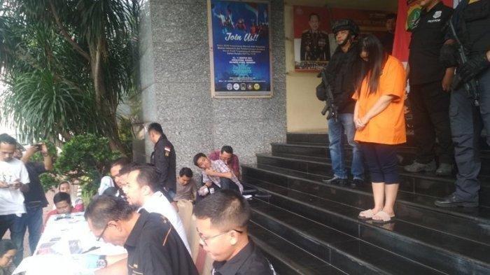 Wanita Asal Pontianak Ditangkap Polisi karena Bobol Bank Rp 1,85 Miliar, Alasannya Demi Game Online!