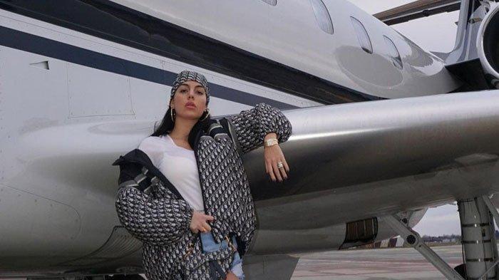 SIAPA Georgina Rodriguez? Intip Gaya Fashion Kekasih Cristiano Ronaldo yang Necis dan Stylish