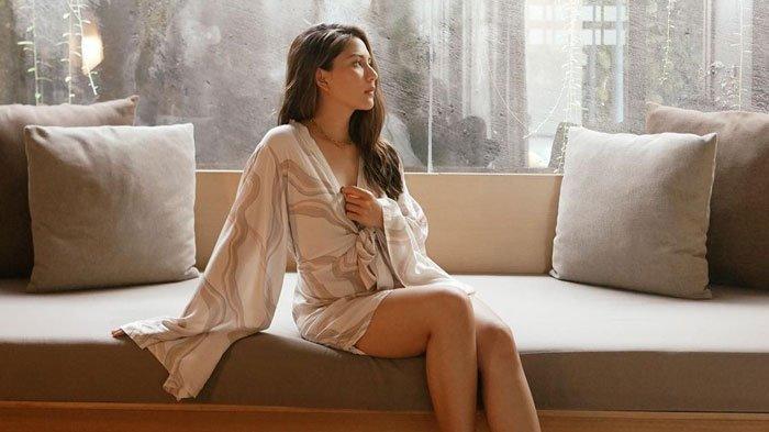 Seberapa Fashionable Jessica Mila? Pose Baju Renang Disorot, Disandingkan dengan Model Internasional