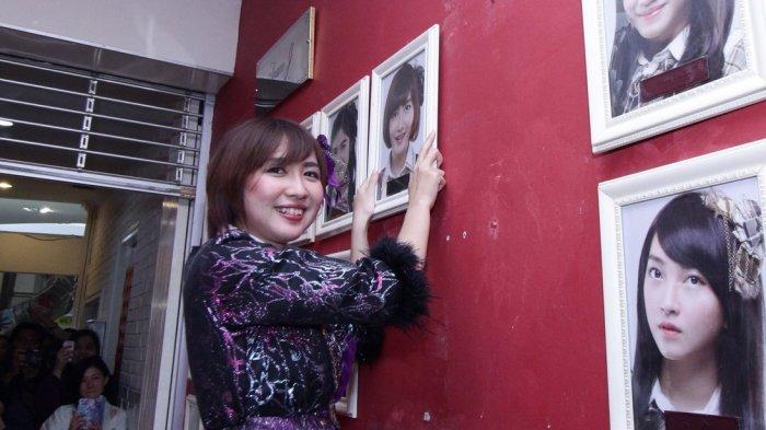 Ghaida Farisya Graduate - Sedih! Detik-detik Mengharukan Saat Pencopotan Foto Dari Dinding JKT48