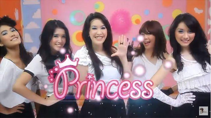 Dulu Populer dan Kini Bubar, Ini Kabar Para Personil Girlband Princess Sekarang, Ada yang Berhijab