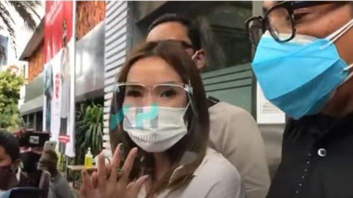 Gisella Anastasia di Polda Metro Jaya, Rabu (23/12/2020).