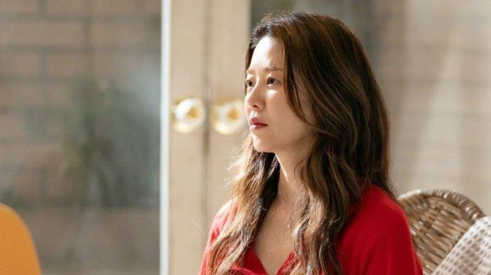 Go Hyun Jung dalam drama Korea Reflection of You