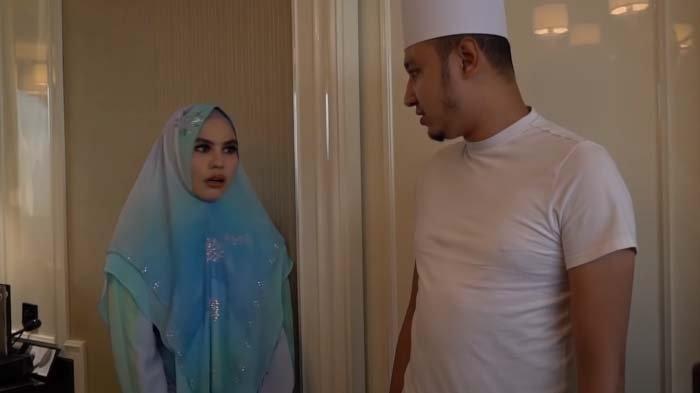 Habib Usman dan Kartika Putri.