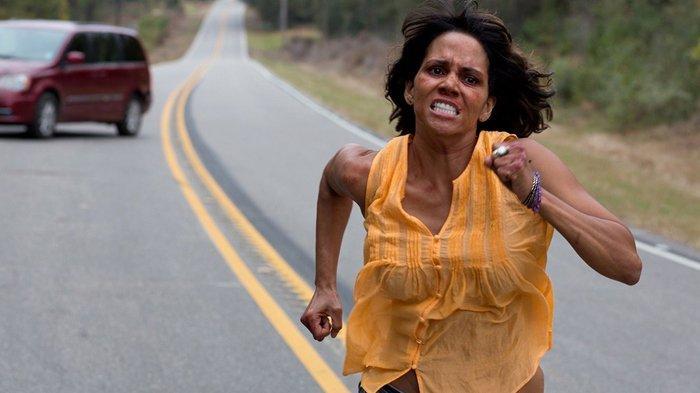 Halle Berry dalam adegan film Kidnap.