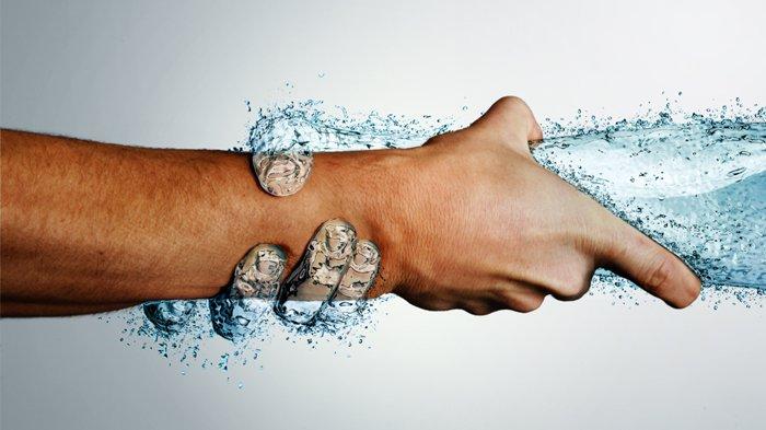 8 Aturan Minum Air Putih Selama Puasa di Bulan Ramadhan, Supaya Tubuhmu Nggak Dehidrasi!