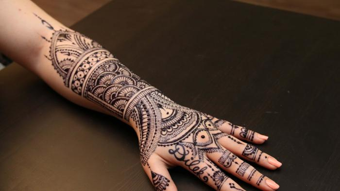 Tak Perlu ke Salon Mahal, Ini 5 Bahan buat Henna ala Rumahan, Bahannya Mudah Dicari