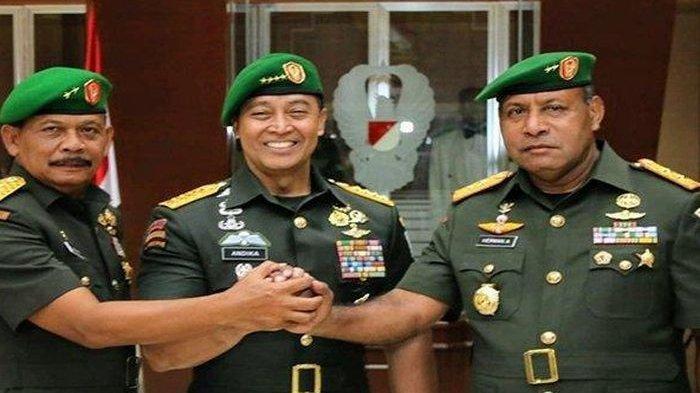 Wakil KSAD Letjen TNI TNI Herman Asaribab (kanan)