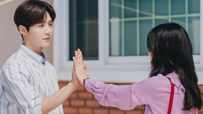 Cuplikan drama Korea Hometown Cha-Cha-Cha episode 3