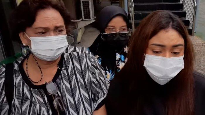 Jalani Sidang Lanjutan, Thalita Latief Bawa Ibunda Jadi Saksi, Harap Proses Perceraian Cepat Selesai