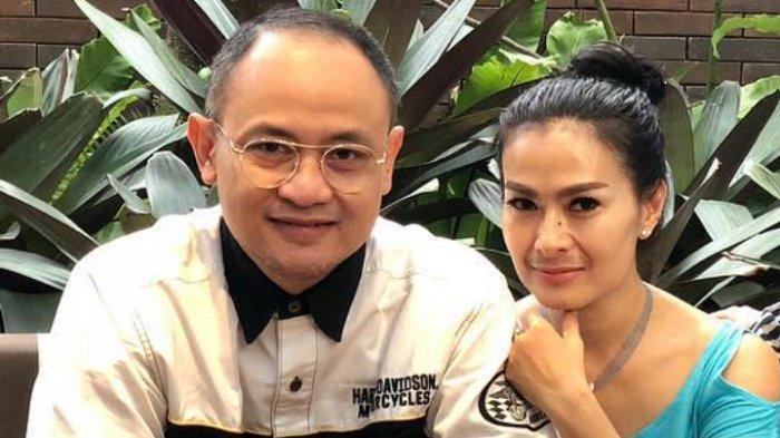 Iis Dahlia dan Satrio Dewandono