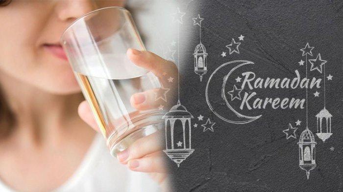 Ilustrasi cukupi kebutuhan minum air putih saat Ramadan.