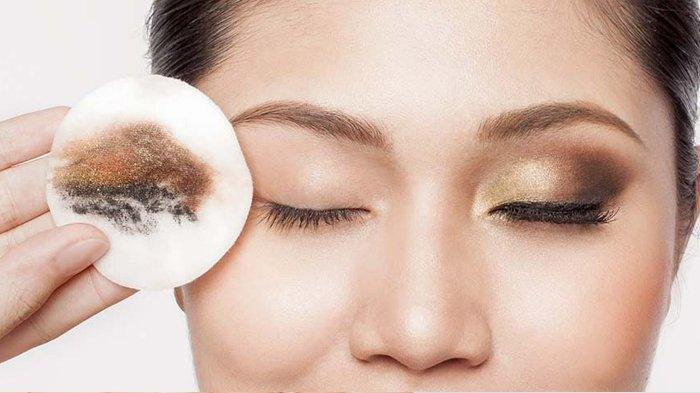 Susu beruang sebagai pembersih make up wajah. (Ilustrasi)