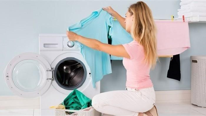 5 Kesalahan Mencuci dengan Mesin Cuci yang Malah Bisa Merusak Pakaian, Perhatikan Kancing Baju
