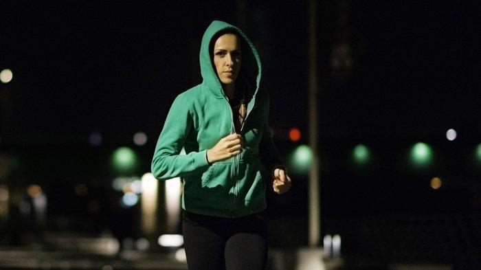 4 Manfaat Olahraga di Malam Hari, Pas Banget untuk Kamu yang Sibuk!