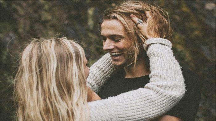 Prioritaskan Kebahagiaan Pasangan, 4 Zodiak Ini Selalu Totalitas saat Menjalin Hubungan Asmara