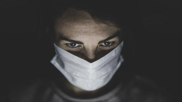 WASPADA, Ini Efek Samping Terlalu Lama Pakai Masker saat Covid-19, dari Sakit Kepala Hingga Pingsan