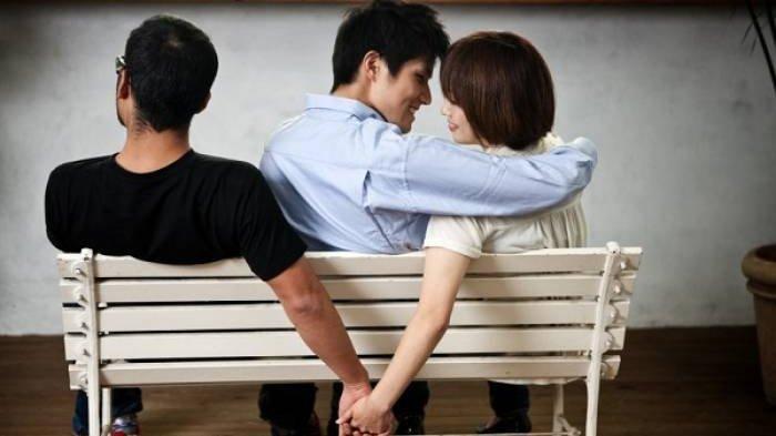 POPULER Modus Pemerasan, Pasangan Suami-Istri Jebak Korban untuk Selingkuh hingga Kuras Harta