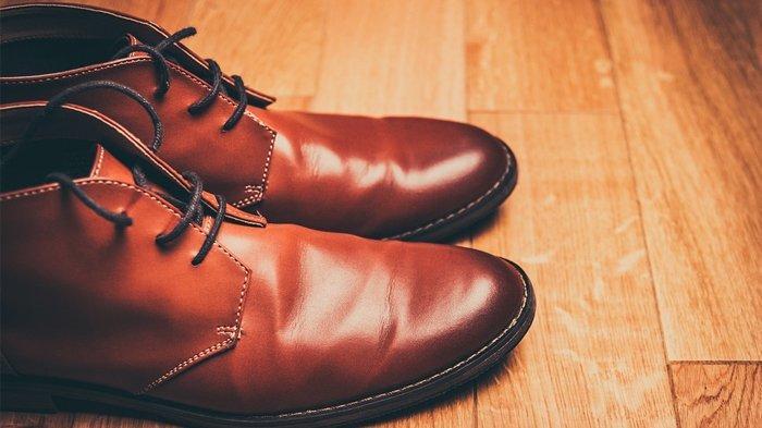Cara Mudah Membersihkan Sepatu Kulit, Cukup Pakai 5 Bahan Rumahan, Kinclong Seperti Baru Lagi
