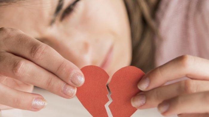 Kenapa Patah Hati karena Putus Cinta Begitu Menyakitkan? Ini 5 Alasan Psikologisnya