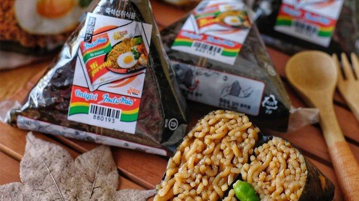 Setelah Kreasi Donat dan Burger, Kini Indomie Onigiri Viral di Medsos, Harganya Berapa ya?