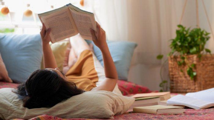 Ingin Tahu Kepribadian Gebetanmu Seperti Apa? Yuk Ketahui Sifatnya Dari Buku Bacaan Favoritnya!