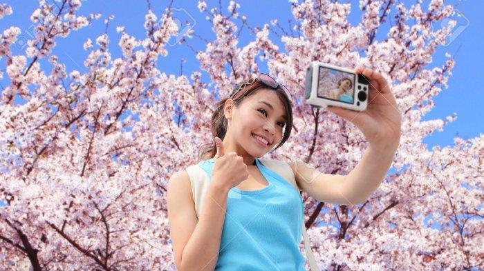 4 Beauty Item yang Wajib Dibawa saat Traveling, Rekomendasi Agar Make Up Nggak Mudah Luntur
